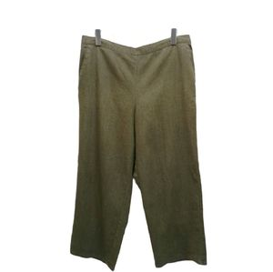 Alfred Dunner Petite Green Cropped slacks size 16p